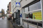 Das Restaurant Helvetia ist direkt neben der SBB-Haltestelle Rorschach Hafen. (Bild: Sheila Eggmann)
