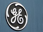 Gute Nachricht für die Angestellten von GE Schweiz: Der US-Konzern baut weniger Stellen ab als ursprünglich geplant. (Bild: KEYSTONE/AP/THIBAULT CAMUS)