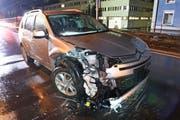 Auch das zweite Auto ist stark beschädigt. (Bild: Luzerner Polizei)