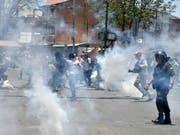 Bolivien kommt nach dem umstrittenen Wahlentscheid, Evo Morales erneut zum Präsidenten ohne Stichwahl zu bestimmen, nicht zur Ruhe. (Bild: KEYSTONE/EPA EFE/JORGE ABREGO)