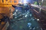 Das Auto war nach dem Unfall nicht mehr fahrbar. (Bild: Luzerner Polizei)