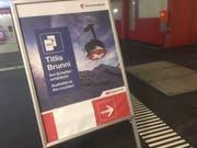 Gemeinsame Werbung: Tickets für beide Bergbahnen sind am Engelberger Bahnhof erhältlich. (Bild: zfo)