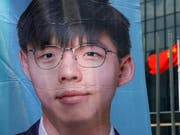 Der bekannte Demokratieaktivist Joshua Wong ist von den nächsten Wahlen in Hongkong ausgeschlossen worden. (Bild: KEYSTONE/AP/KIN CHEUNG)