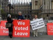 Noch immer zeichnet sich keine Einigung über ein Austrittsabkommen zwischen Grossbritannien und der EU ab. (Bild: KEYSTONE/AP/KIRSTY WIGGLESWORTH)