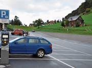 Seit rund einem Jahr steht die Parkuhr auf dem Parkplatz im Chuchitobel in Wildhaus. (Bild: Sabine Camedda)