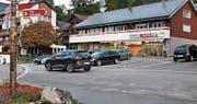 Die Verkehrssituation beim Dorfplatz in Wildhaus soll sich ändern. (Bild: Sabine Camedda)