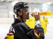 Gaëtan Haas hat seinen ersten kurzen Einsatz in der NHL hinter sich (Bild: KEYSTONE/ANTHONY ANEX)