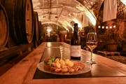 Blick in den Weinkeller des Klosters Engelberg. (Bild: PD)