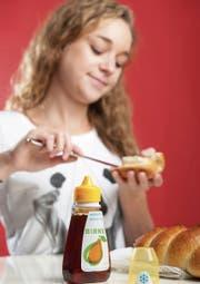 Birnel kann zum Beispiel anstelle von Honig aufs Brot geschmiert werden. (Bild: Boris Bürgisser)