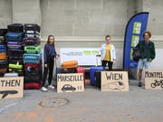 Möglichst klimaneutral reisen: 79 Schweizer Schulklassen nehmen an der Ecotrip Challenge vom Verkehrsclubs-Schweiz teil. Bei diesem Wettbewerb müssen Schulklassen während einem Jahr einen möglichst geringen Treibhausgasausstoss bei ihren Reisen vorweisen, wenn sie gewinnen wollen. (Bild: KEYSTONE/ANTHONY ANEX)