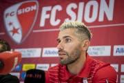 Da war die Welt noch in Ordnung: Valon Behrami wird beim FC Sion vorgestellt. (Bild: key).