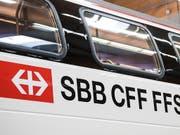 Züge zwischen Zürich und Genf wurden am Mittwochmorgen über Biel umgeleitet. (Bild: KEYSTONE/ADRIEN PERRITAZ)