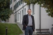 Thomas Heinimann vor dem Gebäude des Kinder- und Jugendpsychiatrischen Dienstes in Luzern. (Bild: Pius Amrein, 4. Oktober 2019)