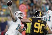Wirft Dolphins-Quarterback Ryan Fitzpatrick (links) öfters mal absichtlich daneben? (Bild: Keith Srakocic/Keystone)