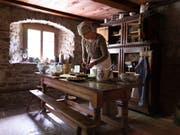 Das Freilichtmuseum Ballenberg zeigt altes Handwerk und historische Umgebung. Aber was ist mit den früheren Bewohnerinnen und Bewohnern? Das soll ein Forschungsprojekt untersuchen. (Bild: KEYSTONE/GAETAN BALLY)