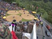 Die bekannte Schwingfest-Atmosphäre am Brünigpass zwischen dem Berner Oberland und Obwalden (Bild: KEYSTONE/URS FLUEELER)