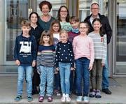 Das Energiegremium der Primarschule Kirchplatz mit Schulleiter Peter Meyer (rechts). (Bild: Rosa Schmitz)