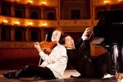 Der Geiger Aleksey Igudesman und Pianist Hyung-ki Joo und der kommen mit neuem Programm zurück ins KKL Luzern. (Bild: Julia Wesely)