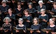 120 Individuen vereint zum Kollektiv: Der Konzertchor Luzern beim letztjährigen Auftritt im KKL Luzern. (Bild: Corinne Glanzmann, 21. Oktober 2018)