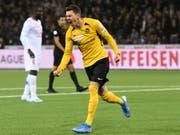 Christian Fassnacht schoss YB im Europa-League-Heimspiel gegen die Glasgow Rangers mit seinem späten Tor in der Nachspielzeit zum 2:1-Sieg (Bild: KEYSTONE/ANTHONY ANEX)
