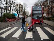 Der berühmte Fussgängerstreifen des «Abbey Road»-Covers für einmal ohne die Beatles. (Bild: KEYSTONE/AP NY/MATT DUNHAM)
