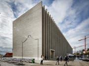 Grosse Neugier ausgelöst hat das neue Musée cantonal des Beaux-Arts in Lausanne schon in seiner ersten Woche. (Bild: KEYSTONE/VALENTIN FLAURAUD)