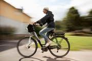 Die Geschwindigkeit des E-Bikes wird oftmals unterschätzt. (Bild: Getty)