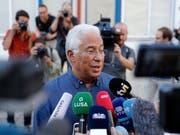 Wahlsieger mit seinen Sozialisten: Der alte und wohl auch neue Ministerpräsident António Costa in Lissabon. (Bild: KEYSTONE/AP/ARMANDO FRANCA)