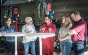 Bettina Vincenz, Daniela Wild, Mohamad Babai sowie Andrina und Beat Greutmann präsentieren ihre erfolgreiche Zusammenarbeit vor der Presse. (Bild: Andrea Stalder)