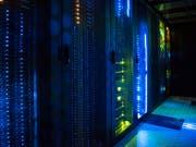 Die Schweizer IT-Branche stellt sich auf weiteres Wachstum ein. (Bild: KEYSTONE/CHRISTIAN BEUTLER)