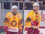 Aaron Gagnon (links), hier mit seinem früheren Teamkollegen Eero Elo (Bild: KEYSTONE/ANTHONY ANEX)