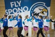«Fly Spono Fly» auf dem Plakat.
