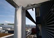 Beim Streit mit dem Totalunternehmer ging es um die Baumängel an den Balkonen. (Bild: Stefan Kaiser, Zug, 24. April 2018)