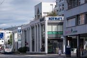 Das Wohn- und Geschäftshaus Hofmatt an der Zentralstrasse. (Bilder: Nadia Schärli, Ebikon 8. Oktober 2019)