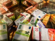 Schlussstrich unter den Steuerstreit mit der EU: Geht alles wie geplant, dann sollte die Schweiz am Donnerstag in Luxemburg von der grauen EU-Liste der Steueroasen gestrichen werden. (Bild: KEYSTONE/ALESSANDRO CRINARI)
