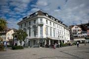 Im Hotel Löwen wird auch das Dachgeschoss ausgebaut und die Rezeption erneuert. (Bild: Maria Schmid, Zug, 8. Oktober 2019)