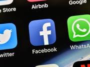 Konzerne wie Google oder Facebook sollen nicht nur in jenen Ländern Steuern zahlen, in denen sie einen Sitz haben. Die OECD plant neue Regeln zur Konzernbesteuerung. Der Schweiz drohen Steuerausfälle. (Bild: KEYSTONE/AP/MARTIN MEISSNER)