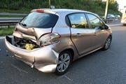 Bei diesem Auto wurde das Heck in Mitleidenschaft gezogen. (Bild: Luzerner Polizei, 8. Oktober 2019)