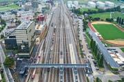 Mit der Überführung Ost über das Gleisfeld des Bahnhofs Rotkreuz sind die Wege zwischen den Ortsteilen jetzt kürzer.Bild: Patrick Hürlimann (14. September 2019)