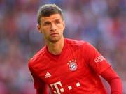 Thomas Müller spielt möglicherweise nicht mehr lange im Tenü des FC Bayern München (Bild: KEYSTONE/AP/MATTHIAS SCHRADER)