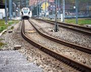 Ein 63-Jähriger wurde tot entlang der Bahnstrecke Heerbrugg–Au gefunden. (Bild: Remo Zollinger)