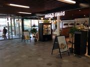 Beim hinteren Eingang in den Neumarkt 1 und 2 an der Ecke Gutenberg- und Vadianstrasse hat die Gastrokette Dean & David kürzlich eröffnet. (Bild: Reto Voneschen - 4. November 2019)