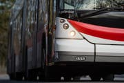 Am Samstagmorgen schloss eine Chauffeuse in ihrer Not einen 29-jährigen Mann in ihrem Bus ein. (Symbolbild: Urs Jaudas)