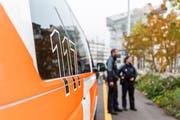 Die Stadtpolizei St.Gallen kontrollierte am Sonntag einen Autofahrer, der hinter dem Steuer eingeschlafen war. (Symbolbild: Stapo SG)