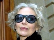 Die französisch-schweizerische Sängerin und Schauspielerin Marie Laforêt musste sich 2004 vor einem Genfer Gericht wegen Rufmord-Vorwürfen an ihrem Ex-Mann verantworten. (Bild: Keystone/MARTIAL TREZZINI)