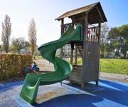 Die defekten Spielgeräte beim Schulhaus Altenrhein müssen repariert und/oder erneuert werden.Bild: gk
