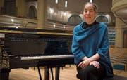 Die Pianistin Simone Keller nach einem Konzert für Schulklassen in der Tonhalle St.Gallen. Bild: Lisa Jenny