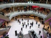 Die «Mall of Switzerland» in Ebikon musste nach einer Bombendrohung evakuiert werden - nun kommt der Verantwortliche vor Gericht. (Bild: KEYSTONE/ALEXANDRA WEY)