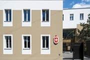 Tatort Moskau: Die Schweizer Botschaft in Russland ist eine der grössten Auslandsvertretungen der Eidgenossenschaft. (Bild: Petra Orosz/Keystone, 2. Juli 2019, Moskau)