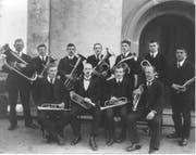 Die erste Fotografie von den elf Mitgliedern bei der Gründung 1919. (Bild: PD)